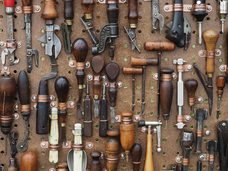 tools-1083796_960_720